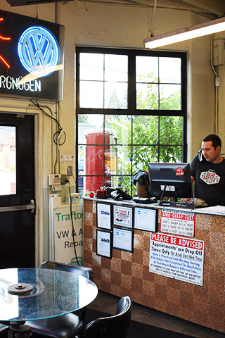 Trafton's Foreign Auto Customer Service Counter